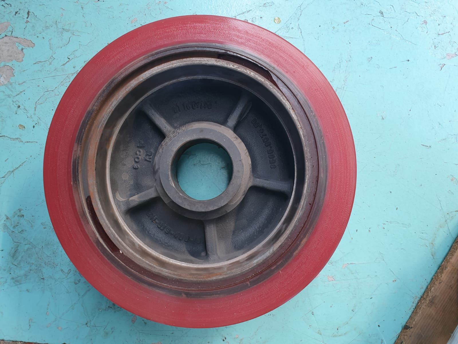 ruota in poliuretano per carrelli elevatori
